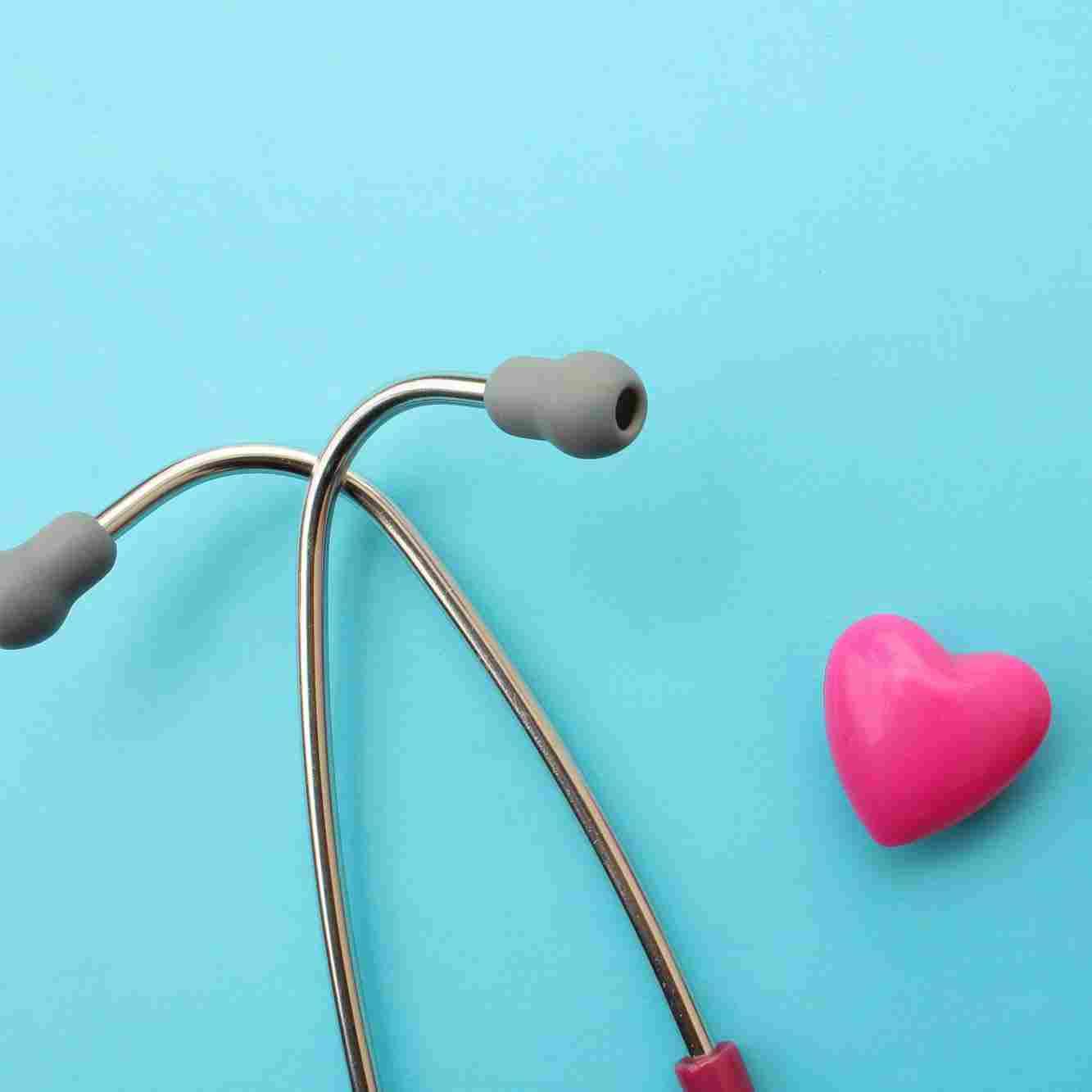 https://gematolog.ck.ua/wp-content/uploads/2015/12/srce-i-stetoskop.jpg